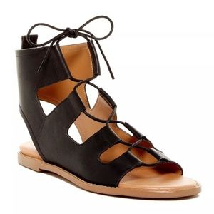 NEW 5.5 Report Black Faux Leather Sandal